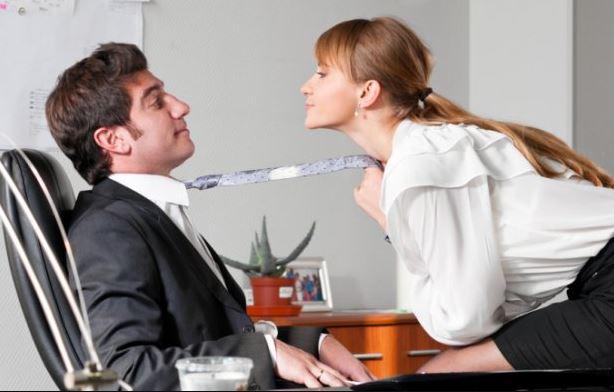 ciri wanita selingkuh menurut psikologi